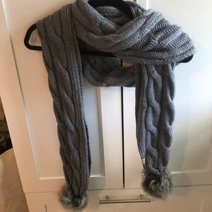 Chunky UGG cable-knit scarf NWOT